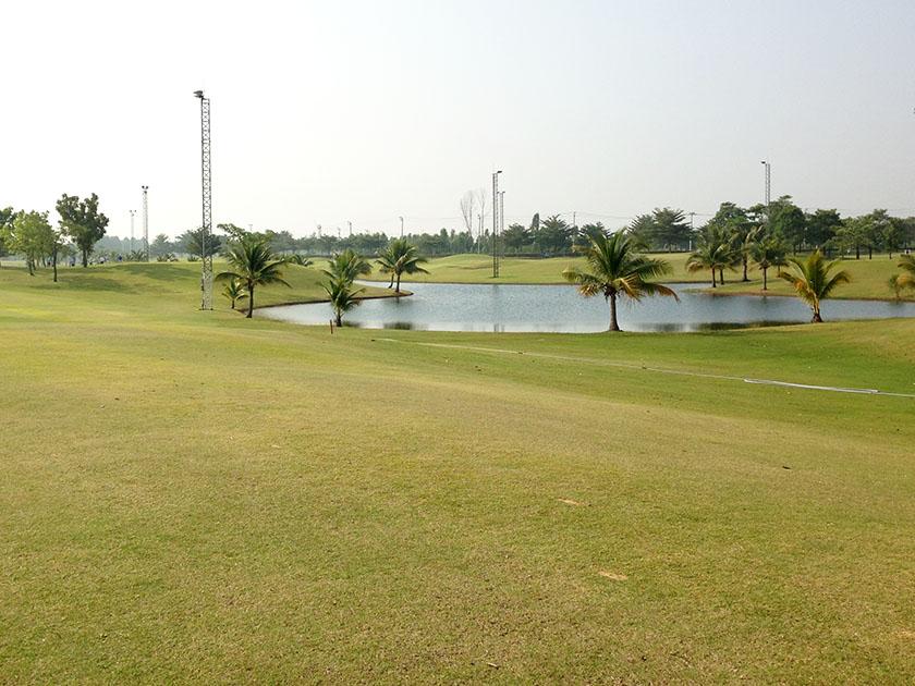ラチャクラムゴルフクラブ 手入れされたフェアウェイ
