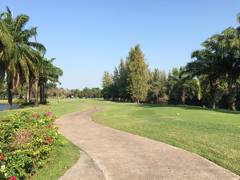 ウィンザーパーク&ゴルフクラブ A-LAGOON 2番のティーグラウンド