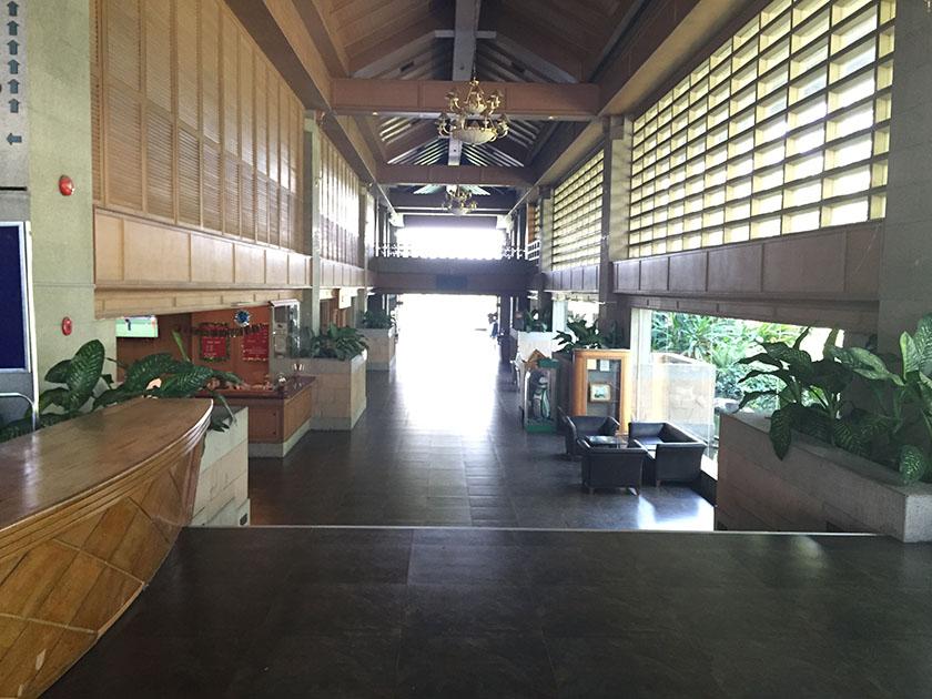 ウィンザーパーク&ゴルフクラブ 天井の高いクラブハウス