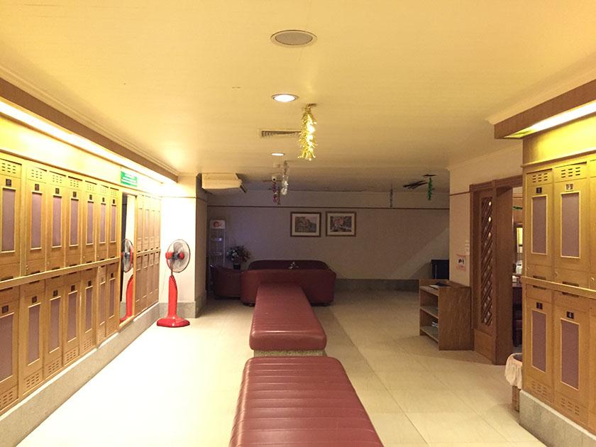 ウィンザーパーク&ゴルフクラブ 暗いロッカールーム