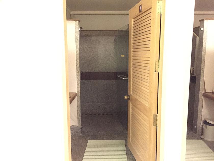 ウィンザーパーク&ゴルフクラブ お湯のでないシャワー