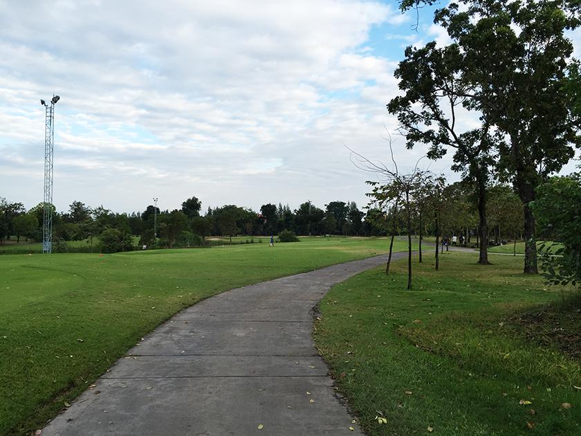 バンコクゴルフクラブ スタートの天気は曇