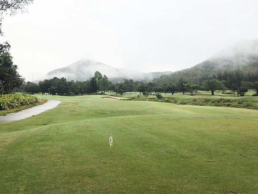 アルパインゴルフリゾートチェンマイ 1番PARスタート