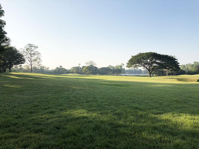 メージョーゴルフリゾート 曇りで少し寒い朝