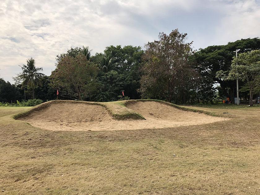 スタードームゴルフクラブ バンカー練習場も広い
