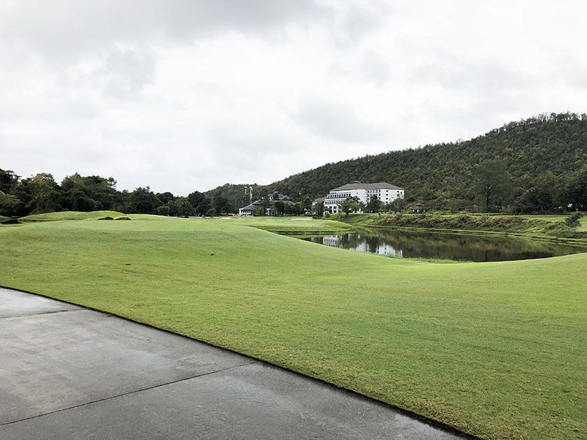 タイ・チェンマイゴルフ旅 お天気はイマイチ