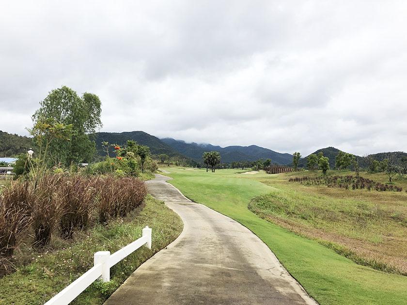 タイ・チェンマイゴルフ旅 どこがフェアウェイ?
