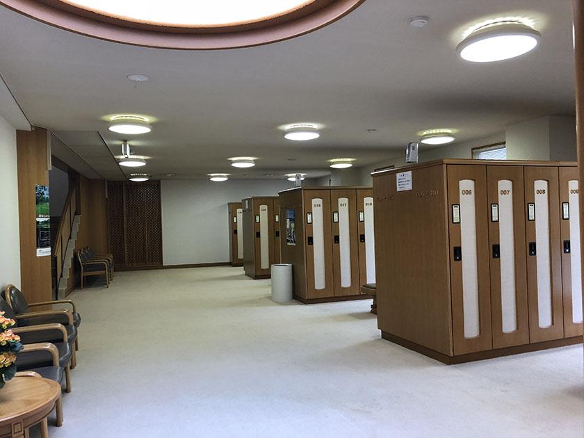 女子ロッカー広い-千代田OGMゴルフ倶楽部