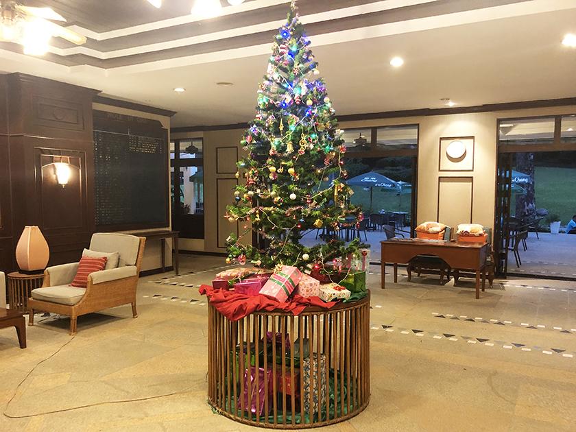 パームヒルズゴルフリゾート&カントリークラブ 大晦日にもクリスマスツリー