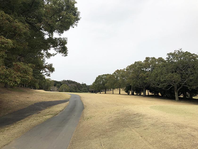 セントラルゴルフクラブ東コース スタート時は小雨