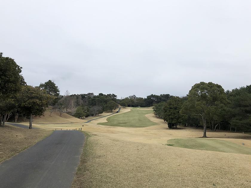セントラルゴルフクラブ東コース 前半は弱い雨