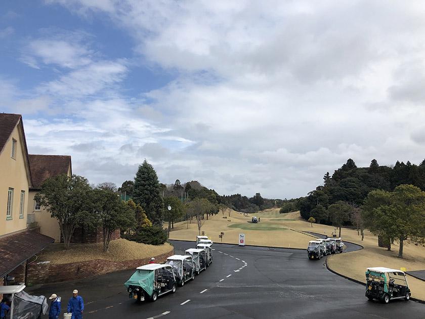 茨城セントラルゴルフクラブNEWコース スタート前、雨は上がった