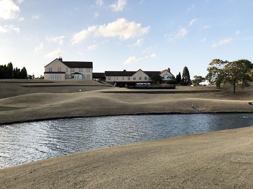 茨城セントラルゴルフクラブNEWコース 浮島っぽいグリーン