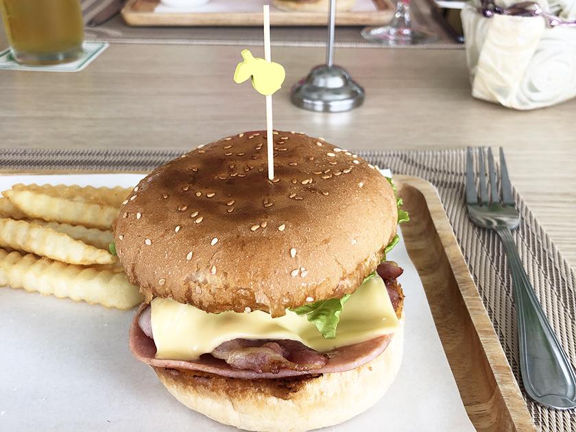 パタヤカントリークラブ ハンバーガーおいしかった