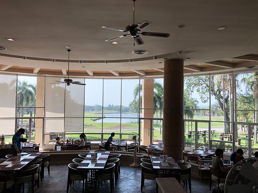 カオキオカントリークラブ コースが見渡せるレストラン