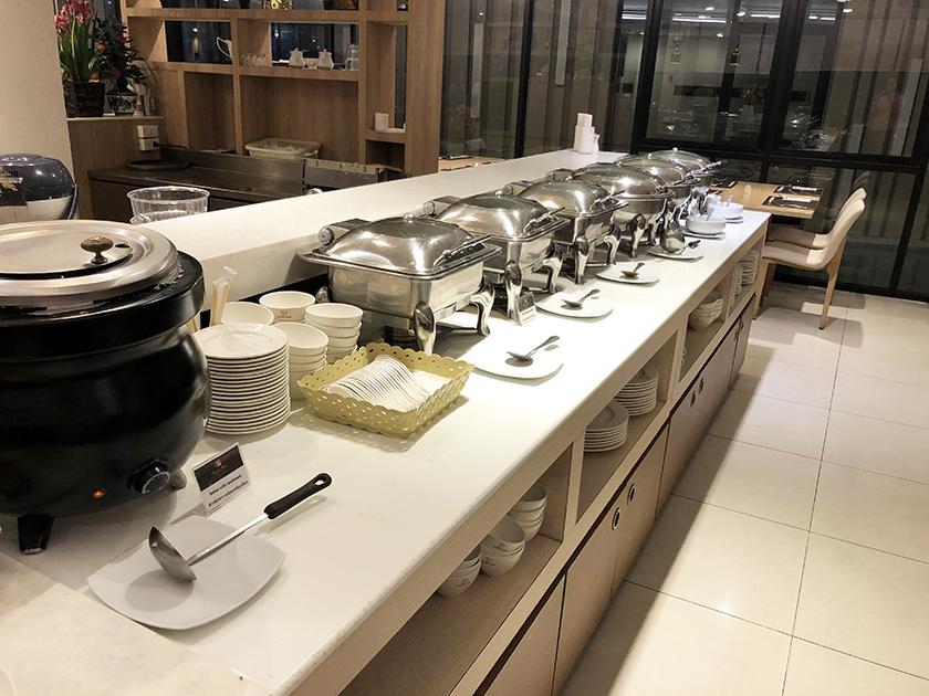 マロンカフェの朝食ビュッフェ 和食&タイ
