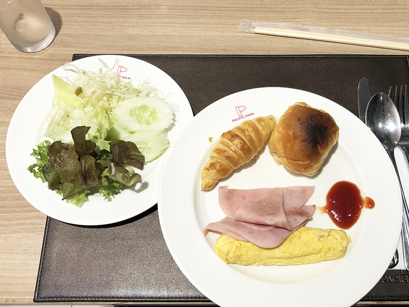 マロンカフェの朝食ビュッフェ 1日目の朝食